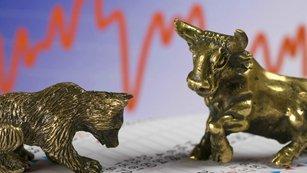 Pohled býků a medvědů na rekordy: Jsou trhy nadhodnocené?