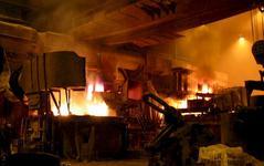 ��na p�edstavila pl�n na redukci produkce oceli, o pr�ci p�ijde 500 000 zam�stnanc�