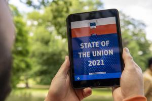 tablet s nápisem State of the Union 2021©EC Audiovisual Service