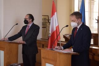 Cestování našich občanů je prioritou, shodl se ministr Kulhánek se svým rakouským protějškem