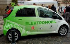 BP: Počet elektromobilů do r.2040 vzroste 100násobně s 30procentním podílem na ujetých km. Rozvoj sdílené dopravy