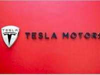 Tesla propustí cca 7% zaměstnanců