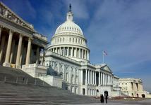US: Demokraté ve Sněmovně navrhují zvýšení daní pro financování sociální a klimatické podpory